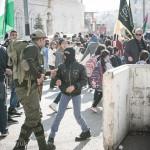 パレスチナ自治区ベツレヘム  ~デモで遭遇した黒マスクの少年~
