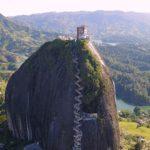 【コロンビア絶景】謎の巨石岩「ラ・ピエドラ・デル・ペニョール」 ~メデジン・グアタペ ~  [ドローン絶景映像あり]